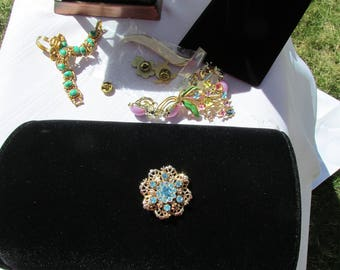 """Vintage Lovely Turquoise Rhinestone Gold Brooch 1 1/4"""""""