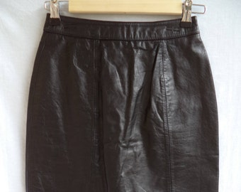 80s-90s High waist leather mini skirt// Urban Outfitters style black goth punk above knee// Vintage Brynes and Baker// Small XS 2 4 25W
