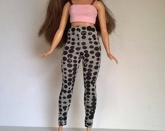 Curvy Barbie leggings in grey with black circles