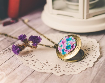 Flower photo locket photo frame personalized memory locket personalized photo flower necklace pendant Miniature flowers Locket jewelry