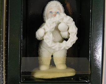 """Snowbabies """"I made this just for you"""" Figurine, Department 56, 6802, Christmas Wreath"""