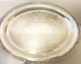 VICTORIA ROSE WM Rogers & Son 1981     Oval Silverplate with Handles