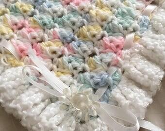 Sweet Crocheted Baby Blanket Boy Girl Pink Blue Yellow White