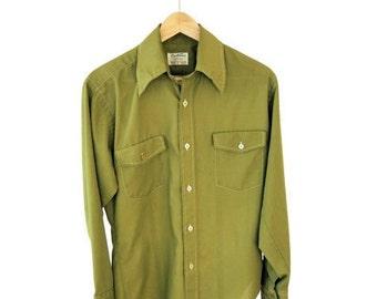 ON SALE Vintage 1950's 1960's SPORTSMAN Button Up Shirt M Medium Green Pistache