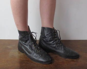Vintage '80s Thom Brown Black Leather Oxford Style Lace-Up Spectator Boots, Mae in USA, US Women's 8.5