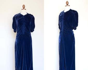 vintage 1930s blue velvet ruched dress / 30s indigo blue Frankel's silk velvet evening dress / M