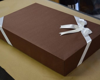 Gift Box Gift Wrap 18x12x1.5 Size Cutting Boards
