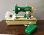 Cabbage Patch Kids Toy Sewing Machine ~ Sewing Room Display