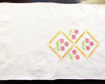 Vintage Linen Table runner hand embroidered