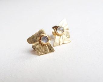 Gold Labradorite Stud Earrings. Vermeil. Silver Gold Plated. Rosecut Labradorite. Geometric Design for Men and Women. Ray of Light Earrings