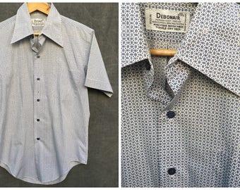 70's Debonair Short Sleeve Button Summer Shirt / Men's Medium