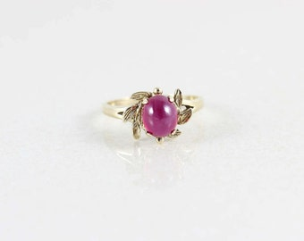 10k Yellow Gold Ruby Star Sapphire Ring Size 9