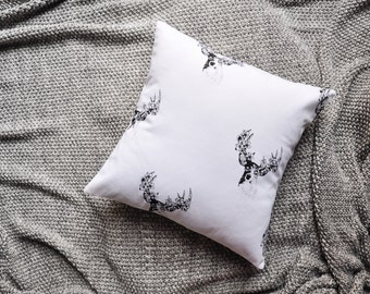 Stag Deer Cushion Cover, Throw Pillow Cover, Throw Cushion Cover, Decorative Cushion Cover, Decorative Pillow Cover - White & Black