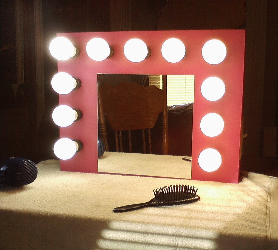 Hollywood-style lighted vanity mirror for kids by YippidysMirrors