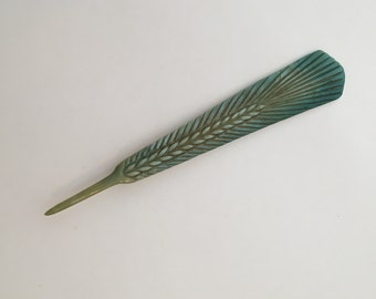 Antique Pearlescent Green, Teal, Gold Feather Pin / Vintage Plastic / Feather Brooch / Antique Jewelry / Scarf Pin / Bohemia