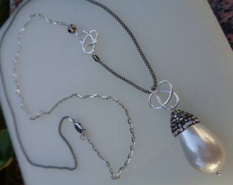 Long silver necklace with Pearl, shell drops pearls, great design, Silver 925