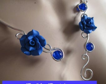 """Necklace + earrings """"Clara"""" flowers and blue cracked glass beads"""