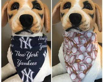 MLB Reversible Pet Bandana New York Yankees Baseball Over The Collar Scarf 2 in 1 dog cat