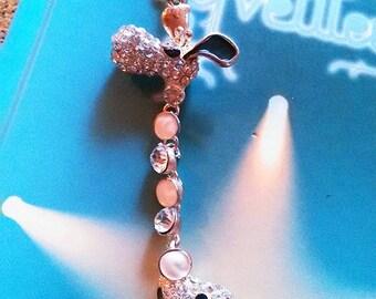 Keychain with a giraffe pendant mobile rhinestones
