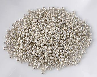10 g silver 2.5 mm seed beads