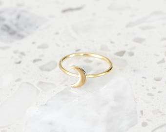 R1053 - New Sterling Silver Gold Plated Crescent Moon Ring