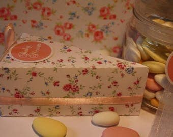 Box dragees cake hand-shaped floral
