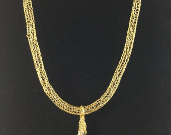 Gold necklace with Swarovski crystal