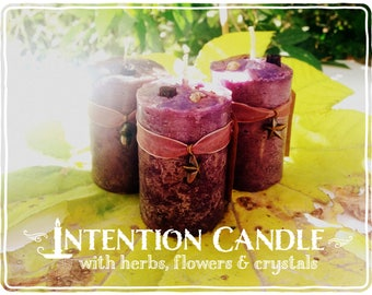 Manifesting Candle *Priestess Wand* with herbs, flowers and crystals -Sage, Sandalwood, Copal, Vanilla & Crystal Quartz