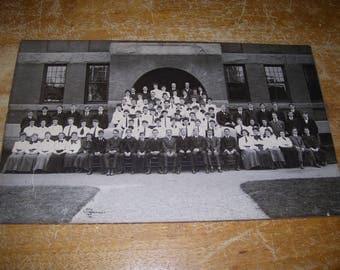 1908 Quincy Massachusetts High School Photograph (10 x 16-1/2 inches)