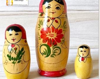 Vintage Rare Russian Nesting Dolls Set of Three, Unique Mordovia Matryoshka Dolls w/ Red Babushkas, Floral Aprons. Mother & Child Figurine.