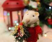 needle felted christmas mouse in sweater with christmas wreath, winter mouse,  felted mouse, needle felted
