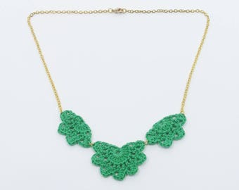 """Andalusian"" large molded green necklace"