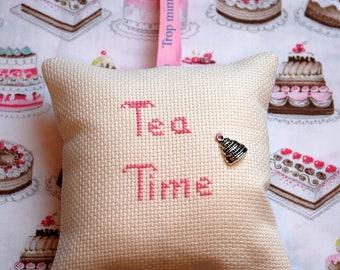 Pillow of door Tea Time cake charm