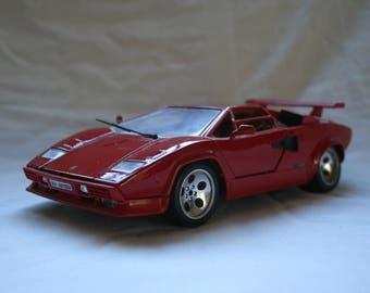 Lamborghini Countach, 1988, scale 1:18 by Bburago.