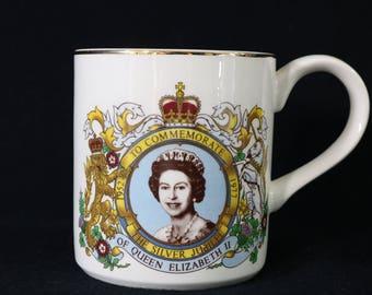 Queen Elizabeth II Silver Jubilee Commemorate 1952 - 1977  Mug J & G Meakin England