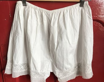 Antique French ladies white cotton knickers short bloomers lace trim size M 12