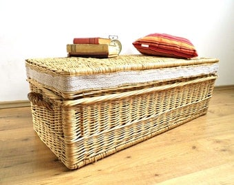 XL Antique Wicker Laundry Basket Lace Large Vintage Steamer Trunk Hamper  Coffee Table Chest Display Case