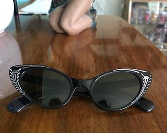 Vintage 1950's Cat Eye Sunglasses.Women's 50's Black Engraved Frames. Mid Century