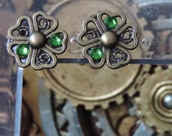 """""""Light Green"""" floral earrings"""