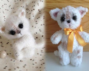 Amigurumi crochet (hook) knitted plush toy fluffy kitten