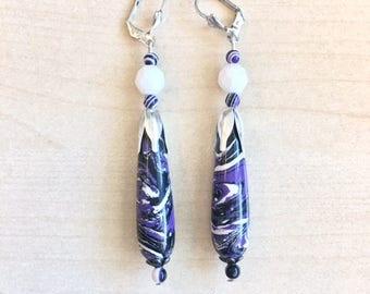 Drop earrings in purple, black agate and bench