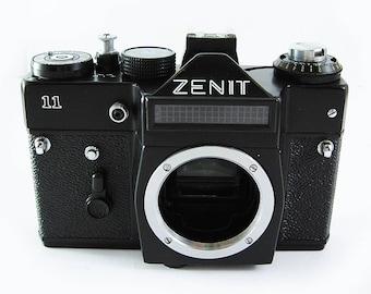 ZENIT 11 Vintage Russian 35mm film SLR Camera Body Excellent Case