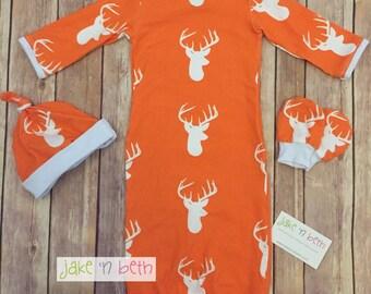 Deer baby gown, knot hat, and no scratch mittens, newborn set - bucks head on orange