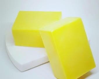 Lemon soap / lemon bar soap / yellow soap / handmade soap / moisturizing soap / citrus soap / gentle soap / soap gift / men women soap