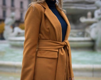 Copper-colored wool and cashmere coat
