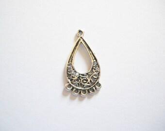4 chandelier silver pendants