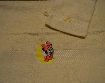 Hooded towel and washcloth toilet minnie