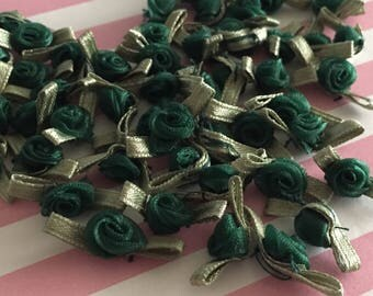 "140pcs 3/4""W Hunter Green Organza Roses with Leaves