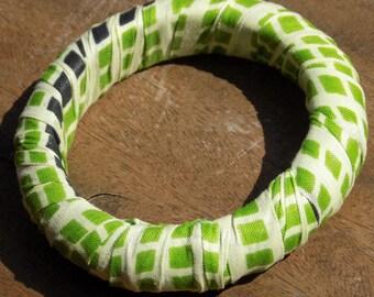 Bracelet stiff green gingham fabric