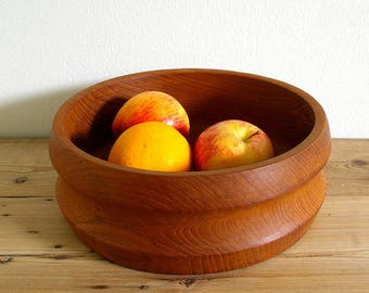 Vintage teak bowl Large mid century modern.Teak retro decor.Danish mid modern.Retro 60s teak bowl.Wood fruit bowl.Catchall teak